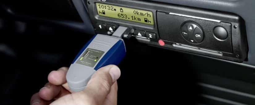 Cómo descargar el tacógrafo digital
